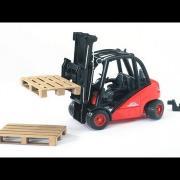 Bruder Toys Linde H30D Fork Lift with Pallets #02511